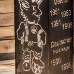 1. FCK Säule Modell Erfolge - Nahaufnahme beleuchtet