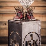 1. FCK Dekosäule - Modell Erfolge mit Deckel Nahaufnahme 2