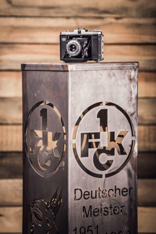 1. FCK Dekosäule - Modell Erfolge mit Deckel v3